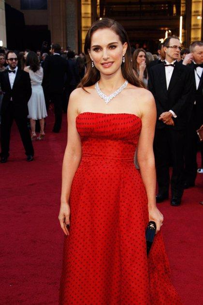 Natalie Portman elige el pintalabios solidario de Dior