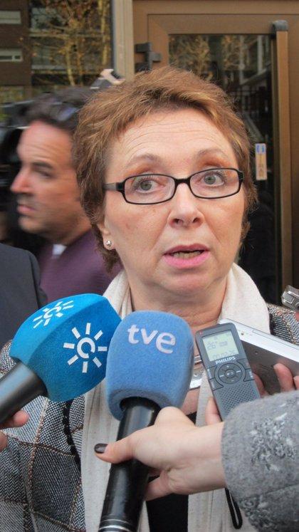 """La Junta cree que el Gobierno central """"bajará el sueldo de los empleados públicos en más del 5%"""""""