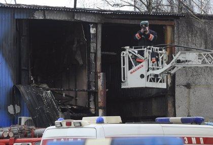 Dos detenidos por el incendio del mercado de Moscú