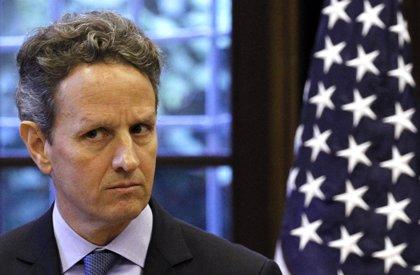 Geithner apunta a Europa y el petróleo como riesgos para la economía de EEUU