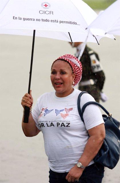"""Piedad Córdoba revela que el Gobierno de Santos mantiene un """"diálogo informal"""" con las FARC"""