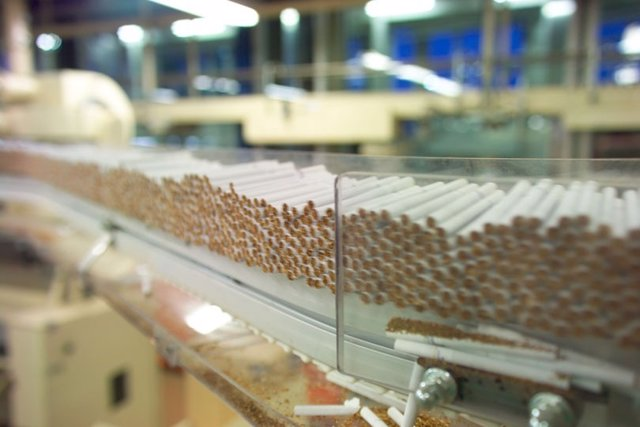 Fábrica De Cigarrillos, De Philip Morris