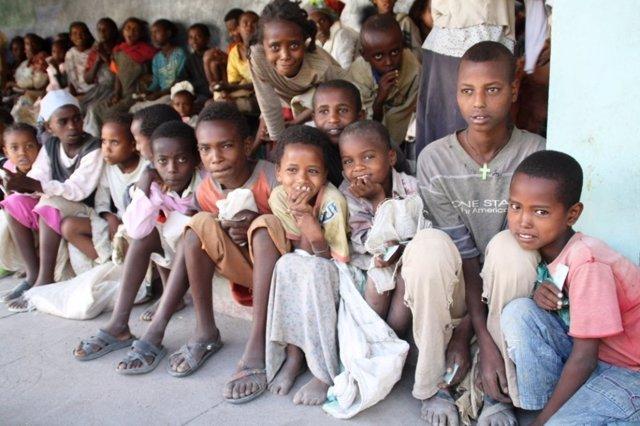 Menores Afectados Por La Hambruna En La Localidad De Zway (Etiopía)