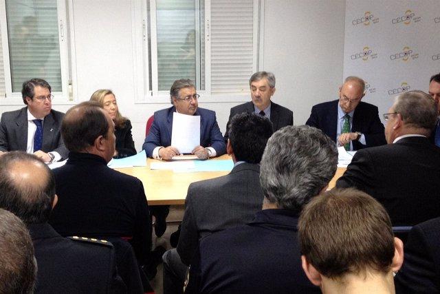 El Alcalde De Sevilla,  Juan Ignacio Zoido, Presidiendo La Reunión Del Cecop