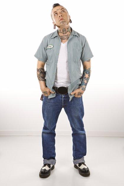 Si tienes un piercing o un tatuaje, piénsatelo dos veces antes de lucirlo en una entrevista de trabajo