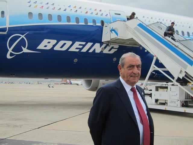 Juan Jose Hidalgo Con Boeing Dreamliner