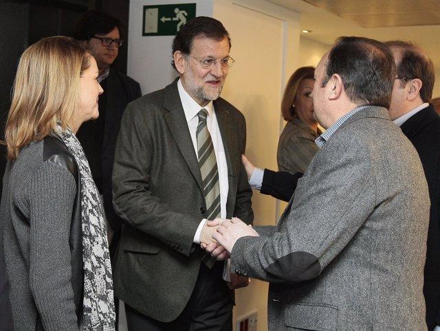 Mariano Rajoy Saluda A Pedro Sanz