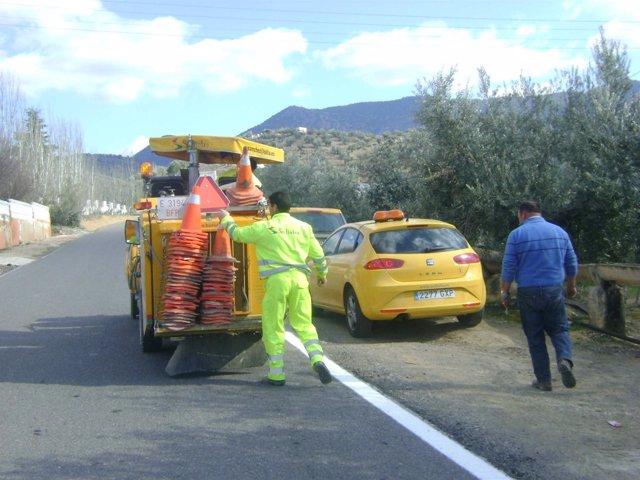 Trabajos De Repintado De Las Carreteras