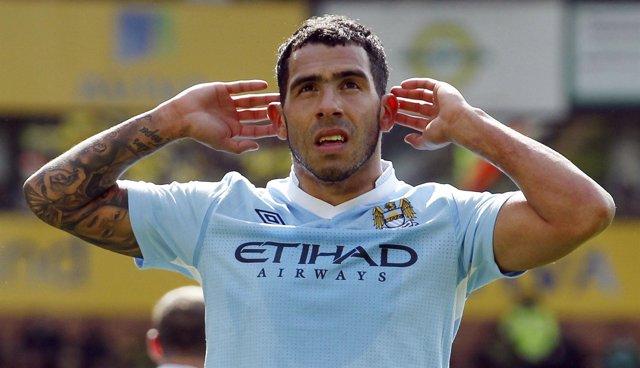 El Argentino Carlos Tévez Celebra Un Gol Del Manchester City