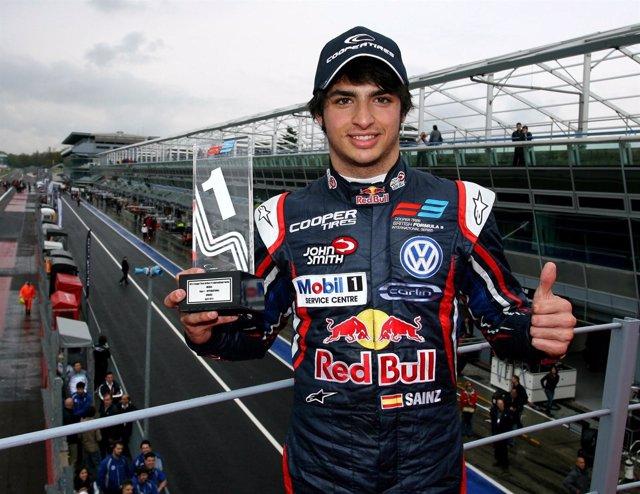 Carlos Sainz Junior Tras Ganar En Monza En La F-3 Británica