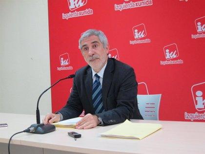 """Llamazares acusa al Gobierno de """"fraude electoral"""" por la aplicación del copago farmacéutico"""