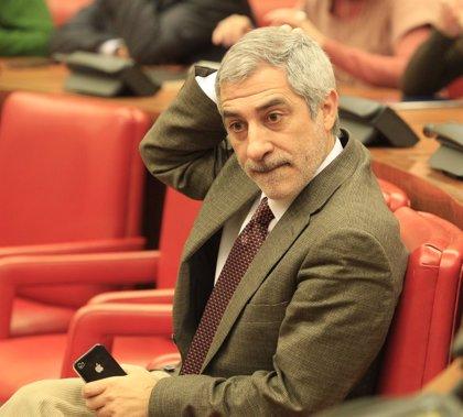 """IU pide la comparecencia urgente de Mato ante el Pleno del Congreso para explicar el """"medicamentazo"""""""