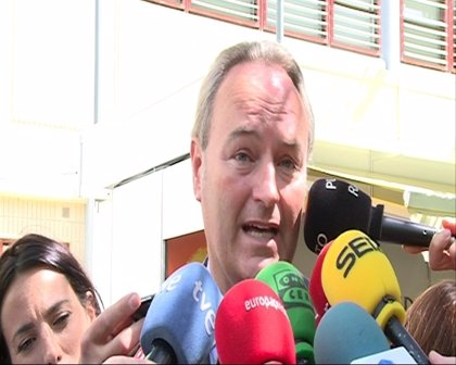 """Fabra dice que el copago farmacéutico intenta mantener un Estado del Bienestar """"insostenible"""" en estos momentos"""