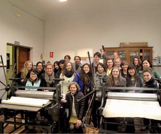 Estudiantes De Enseñanzas Artísticas De La Universidad De Washington En León.