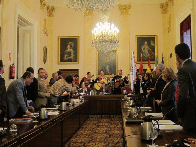 La Tuna De Magisterio En El Pleno Del Ayuntamiento De Cáceres