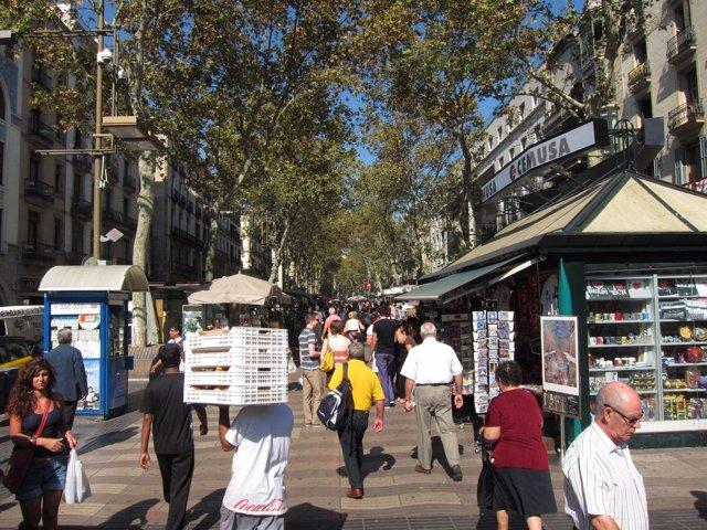 Quiosco De Prensa En La Rambla De Barcelona