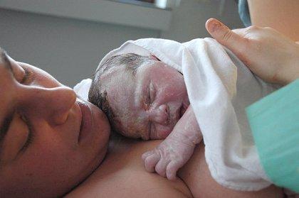 Los cambios de posición de la madre tras la dilatación mejora el parto con epidural