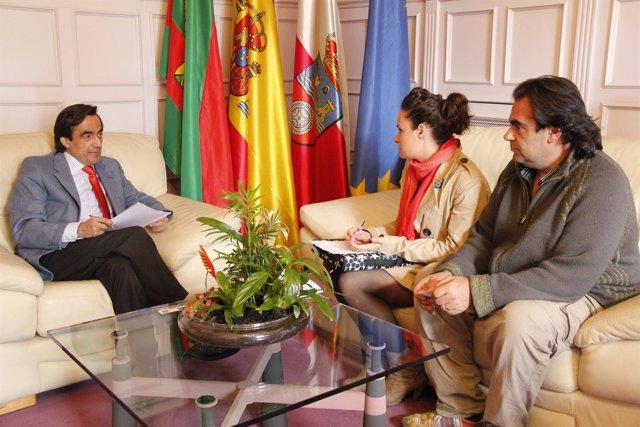 Reunión Entre Ildefonso Calderón Y Representantes De Aspaym