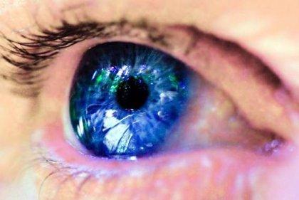Las mujeres tienen las pupilas más grandes que los hombres