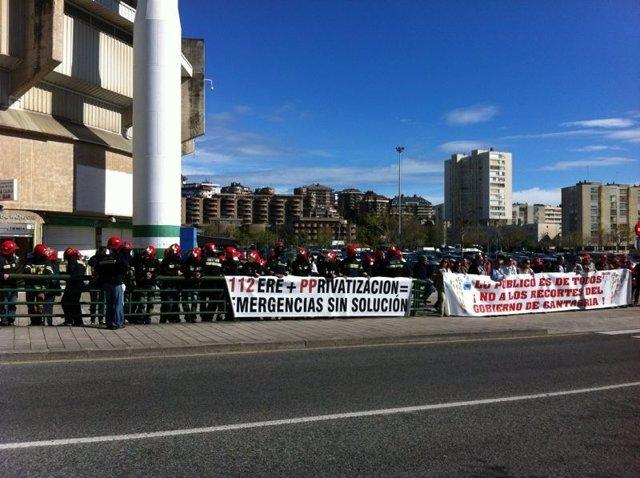 Empleados Públicos De Cantabria Se Concentran Ante El Congreso Del PP
