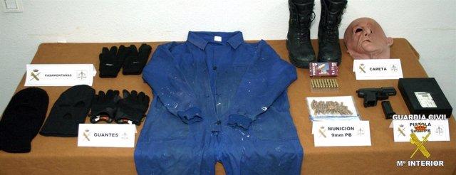 Ingresa en prisión el policía Local de Calamonte (Badajoz) acusado de  atracar un banco 8d37ed0b8935