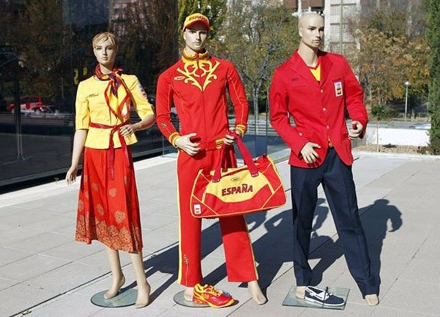 Uniforme De Los Deportistas Españoles Para Los JJ.OO De Londres 2012