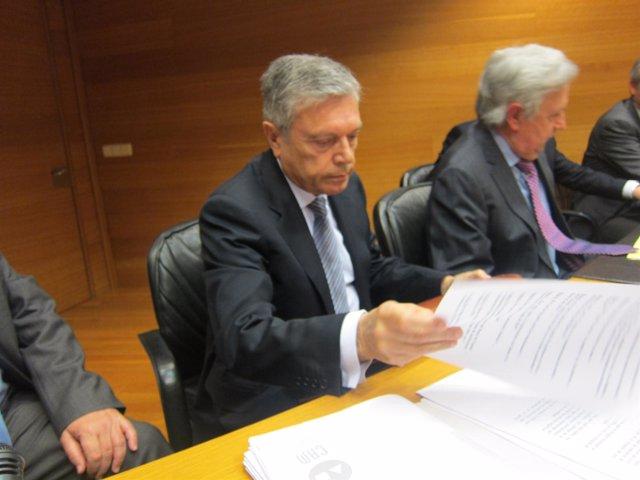 Modesto Crespo En La Comisión De La CAM En Las Corts