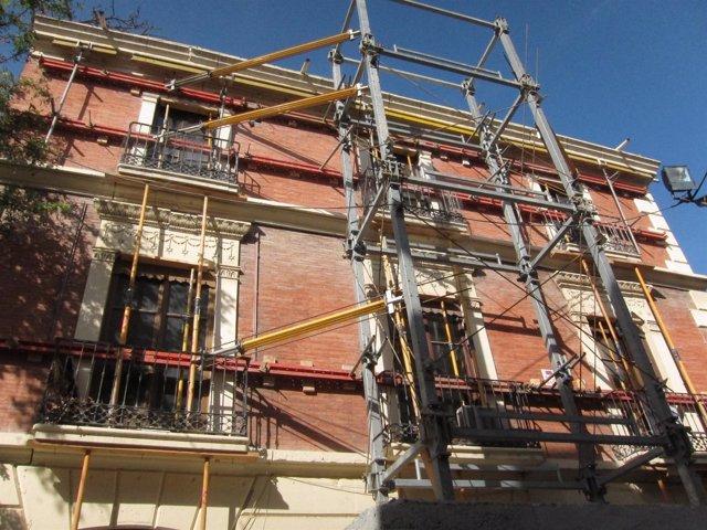 Edificio Afectado Por El Terremoto De Lorca