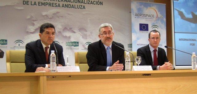 Gaspar Llanes, Antonio Ávila Y Vianney Thomas, En La Rueda De Prensa De ADM 2012