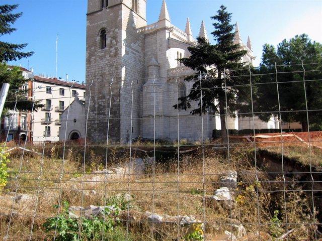 Restos Arqueológicos Encontrados Junto A La Antigua