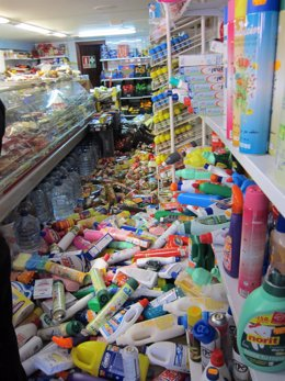 Comercios Destrozados Por El Terremoto De Lorca