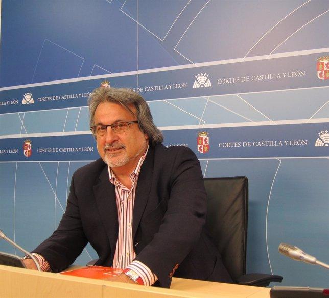 El Portavoz Del Grupo Mixto Y Procurador Por IU, José María González