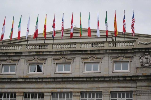 Banderas Del Teatro Campoamor El Día Antes De La Entrega De Premios