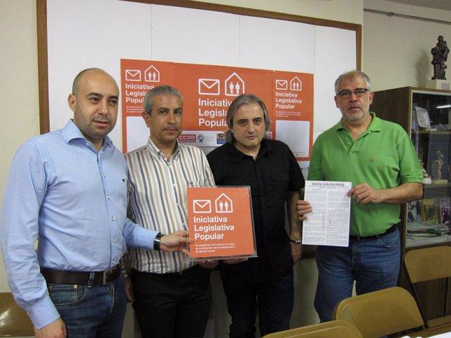 Representantes De Las Distintas Organizaciones Impulsoras De La ILP.
