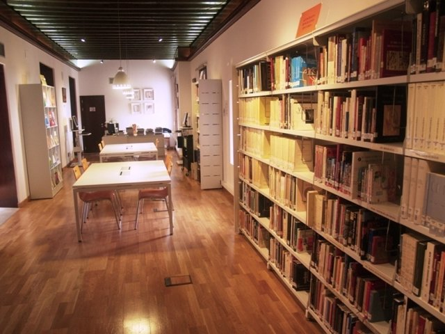 Biblioteca Juan De Mariana