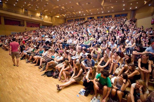 Acto De Bienvenida A Los Estudiantes Erasmus De La US