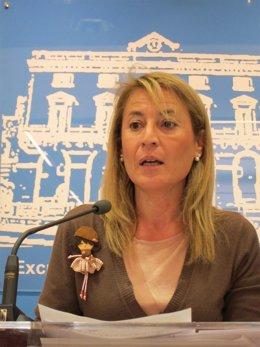 Elena Nevado, Alcaldesa  De Cáceres Y Senadora