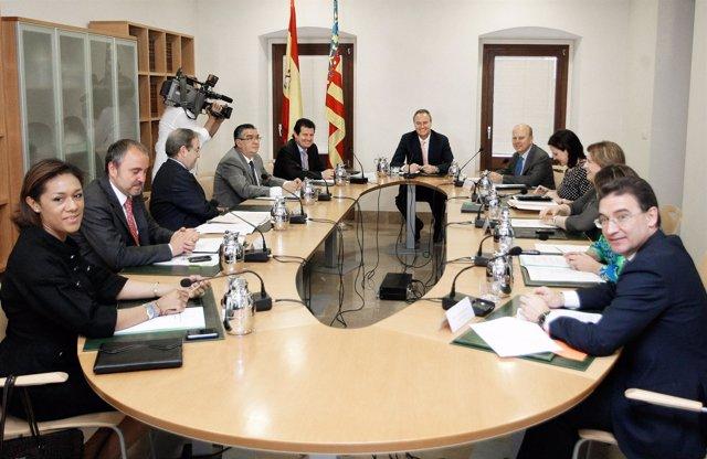 Fabra Preside La Reunión Del Pleno Del Consell
