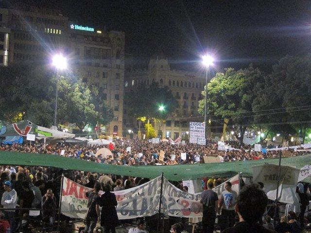Acampada 15M En Plaza Catalunya