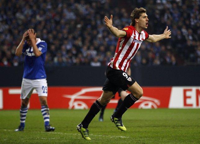 Fernando Llorente Celebra Un Gol Ante El Schalke