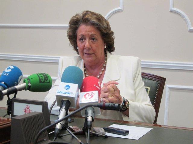 La Alcaldesa Rita Barberá Durante La Rueda De Prensa.