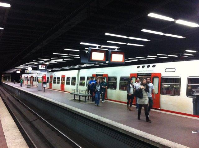 Estación De Sarrià De Los FGC