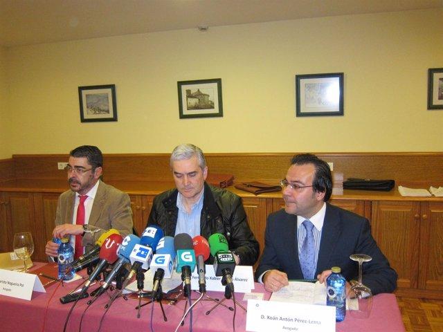 Fernando Blanco Con Sus Abogados, Pérez Lema Y Evaristo Nogueira
