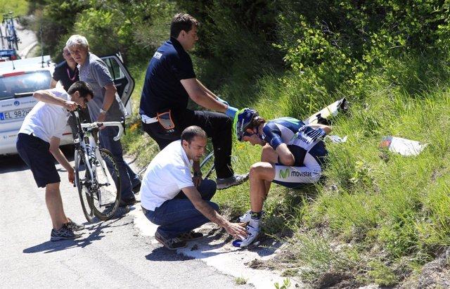 El Ciclista Español Pablo Lastras Tras Su Caída En El Giro