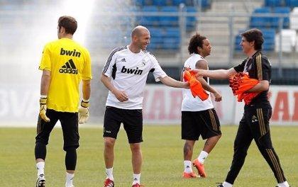 Fútbol.- Zidane, atracción en el entrenamiento del Real Madrid