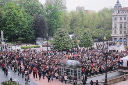 Comienza la asamblea de los 'indignados' asturianos en la plaza de La Escandalera