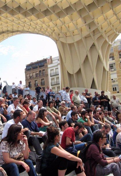 Miles de 'indignados' conmemoran el primer aniversario del movimiento '15M' en las calles de las capitales andaluzas