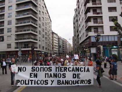 """Alrededor de mil personas salen a la calle en Logroño para recordar que """"seguimos luchando por algo injusto"""""""