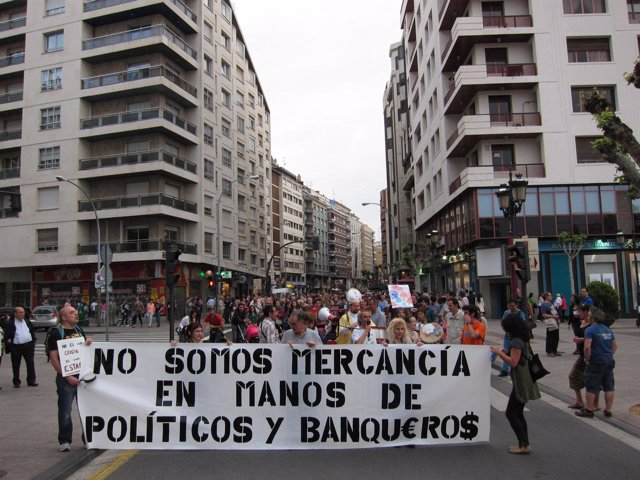 Manifestación Por Las Calles De Logroño