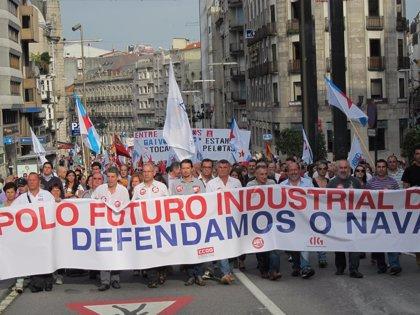 Miles de personas se manifiestan en Vigo para exigir solucionesa la crisis del sector naval